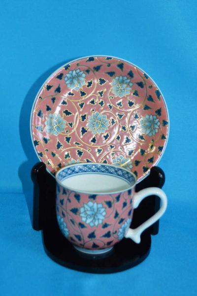 F3002F 染錦 牡丹文珈琲碗皿(ピンク) 口径7.5cm 台皿径約14.5cm 碗+台皿の高さ7.5cm